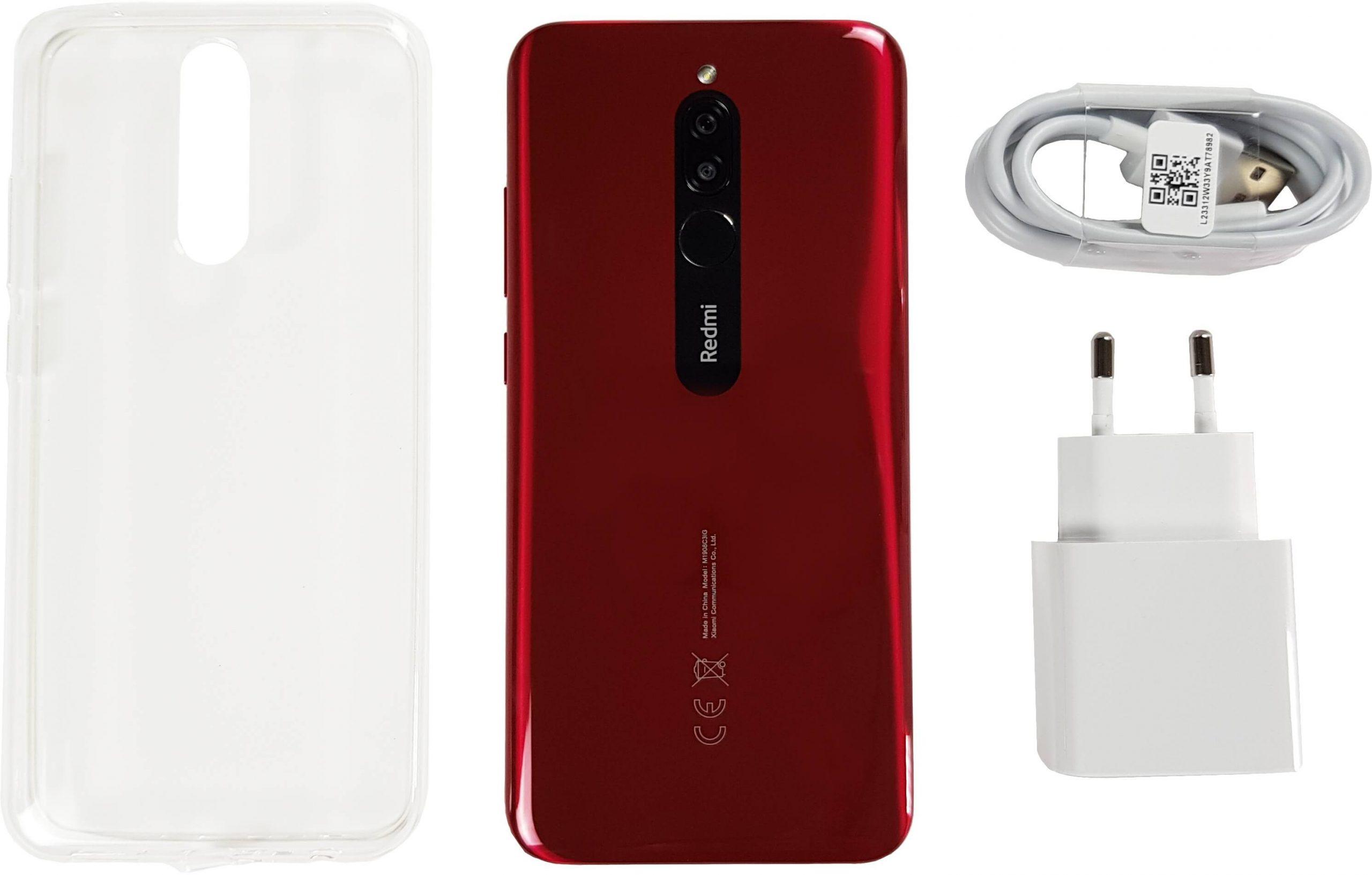 Xiaomi Redmi 8 con sus accesorios