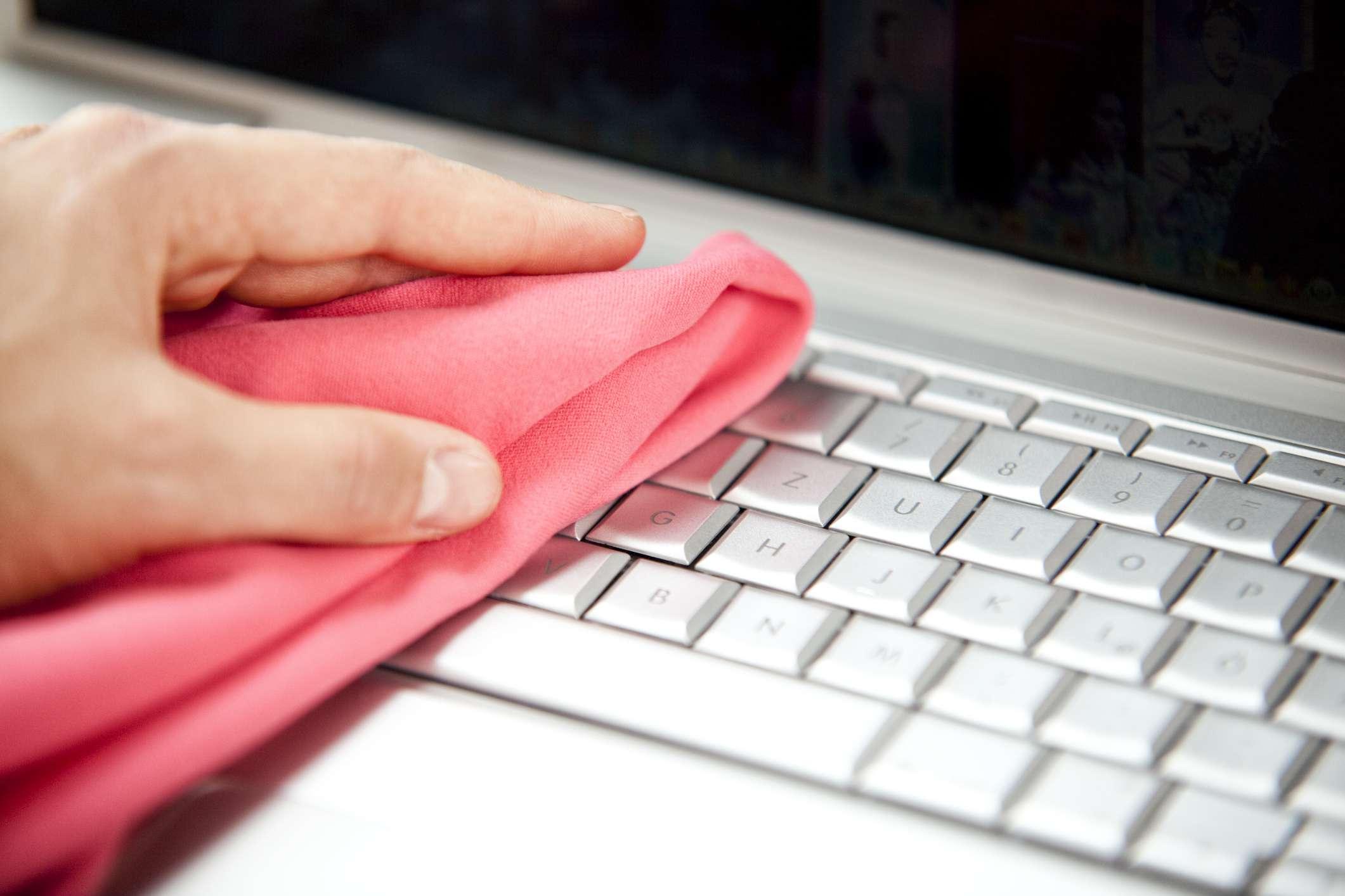 Cómo limpiar tu notebook de manera correcta