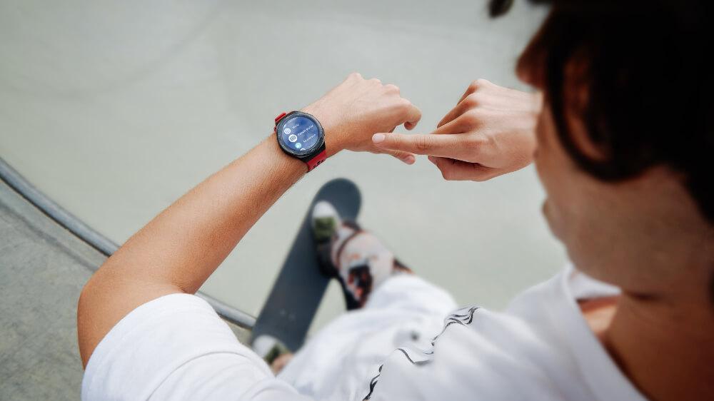 huawei watch gt2e en mano