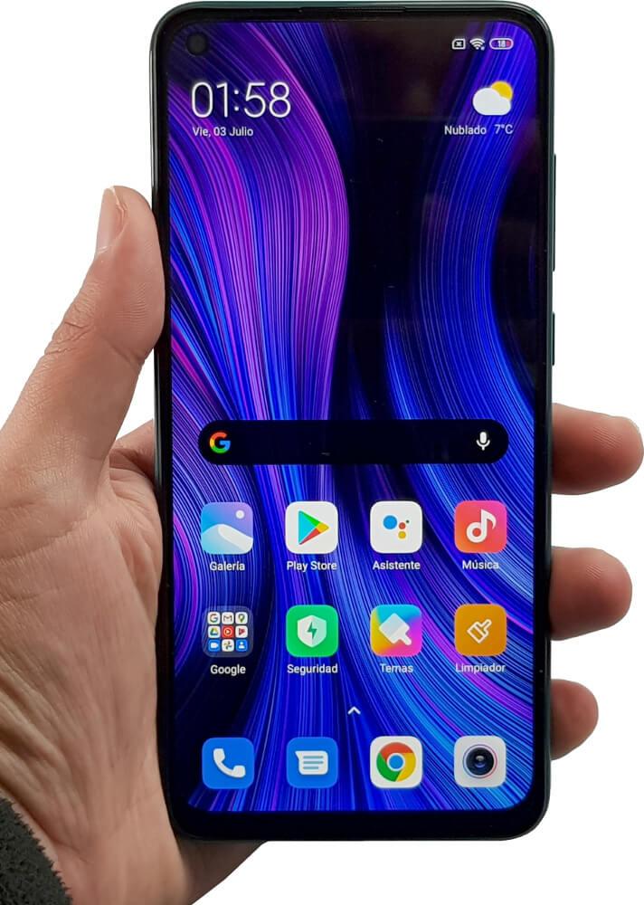 Redmi Note 9 en mano